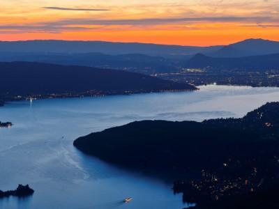 Le Lac d'Annecy, un soir d'été