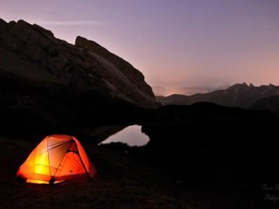 Bivouac sous les étoiles au lac de Peyre