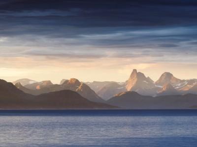 Lever de soleil sur le massif du Stetind