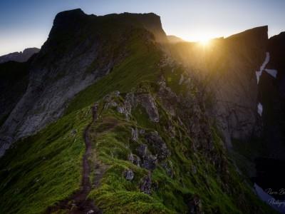 Le sentier qui mène à la lumière